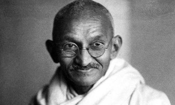 Mahatma Gandi: Neispričana priča